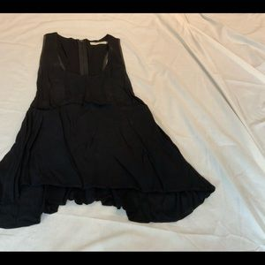ALICE & OLIVIA BLACK SCOOP NECK FLOWY TANK SZ M
